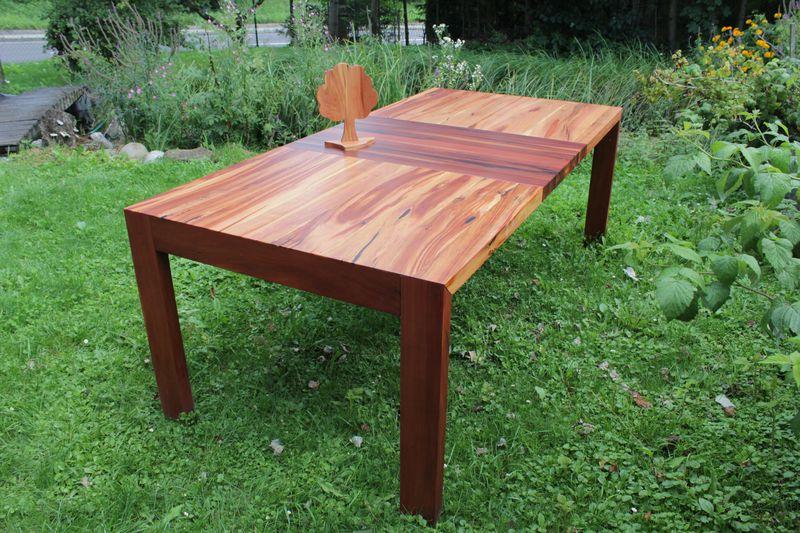 memus der einzigartige Obstbaumtisch aus der Tischlerei